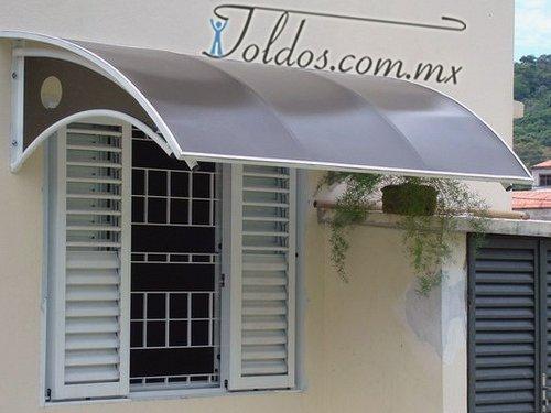 Techos de policarbonato toldos for Modelos de techumbres