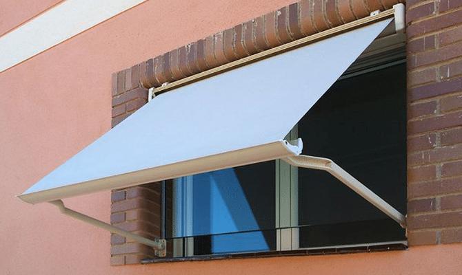 colocar toldos en las ventanas
